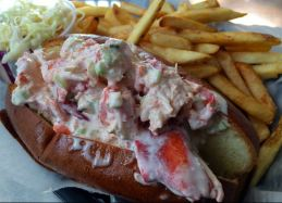 St Paul Fish Company Lobster Roll 2